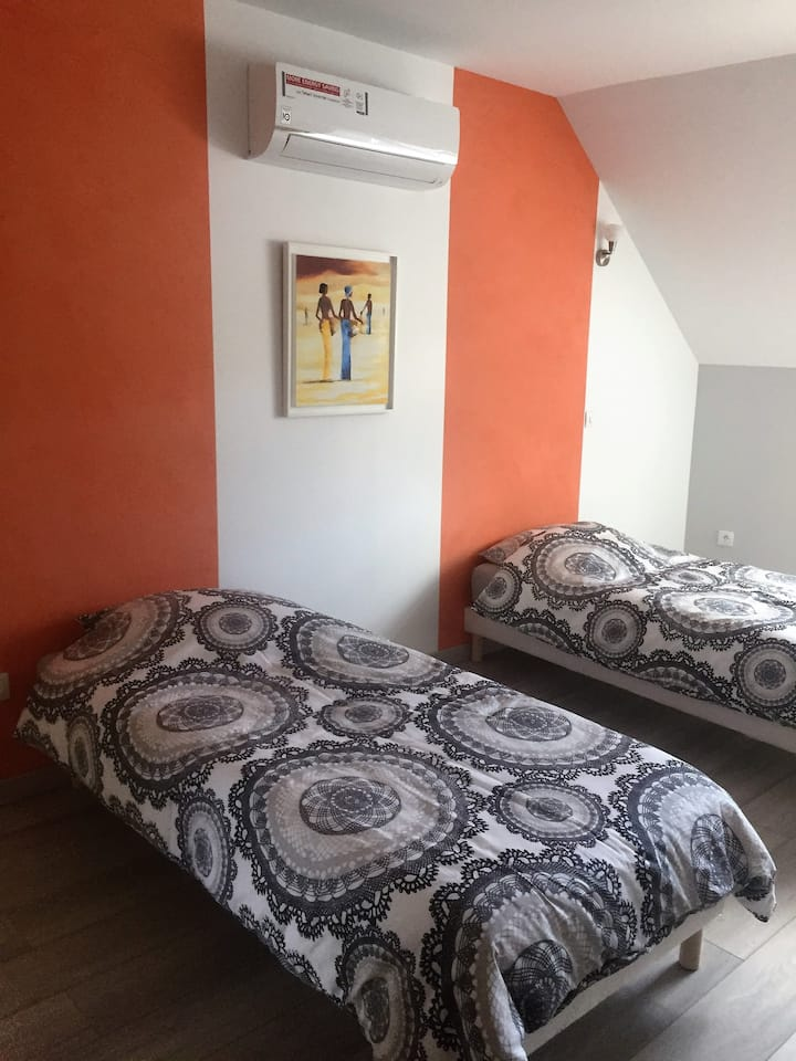 CHAMBRE ORANGE DUPLEX 5 COUCHAGES