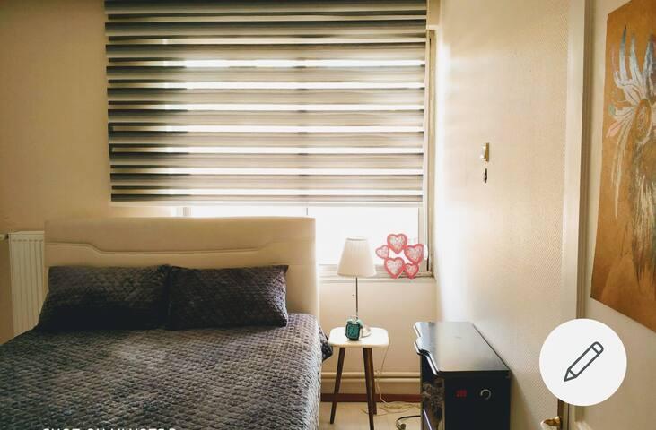 Private room ( in shared apt. ) izmir  alsancak