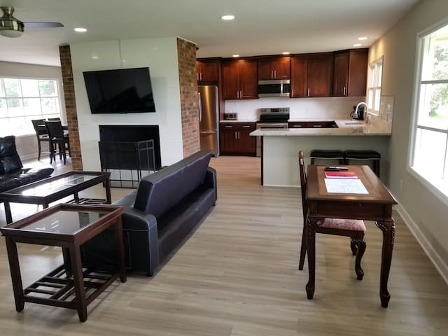 Entire 3 bedroom house, newly renovated