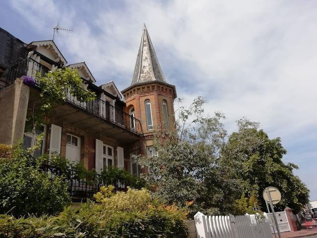 Villa pleine de charme au centre de Deauville