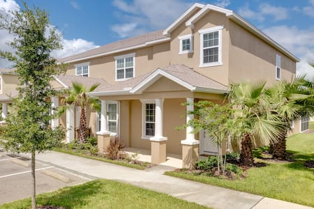 Beautiful 3 bed/2 bath newly built with pool - Clermont