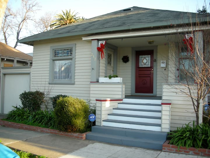 Charming House in Hensley Historical District
