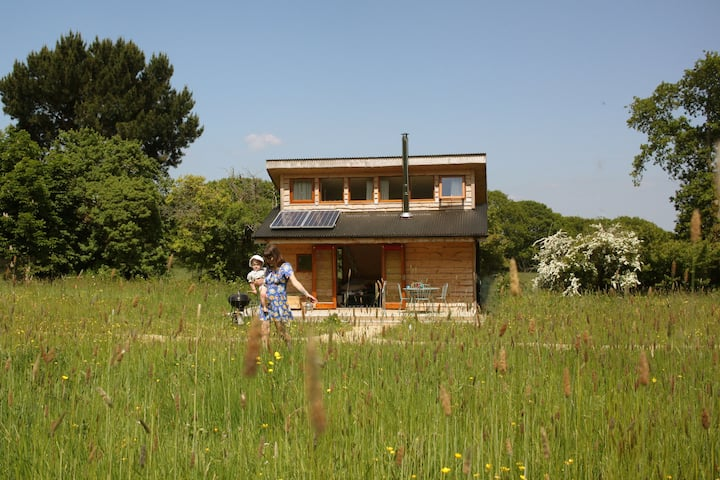 Gorgeous off-grid Tiny Home cabin Eilidh