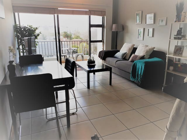 Rivers Edge Apartment in Rondebosch