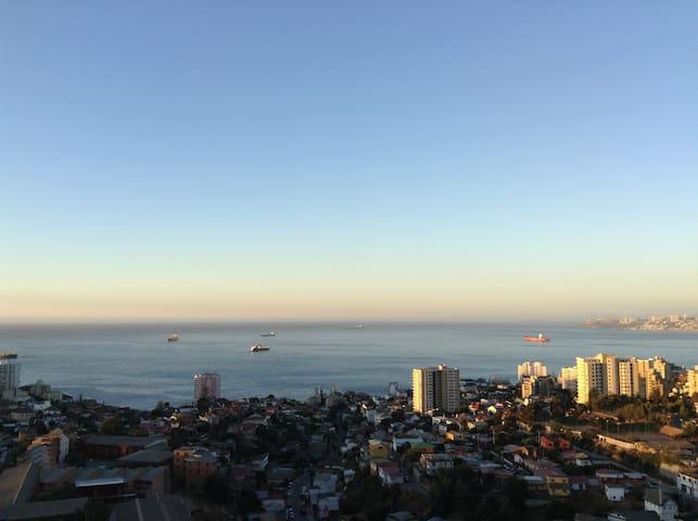 Amplio departamento con Wifi-TVcable- Viña del Mar