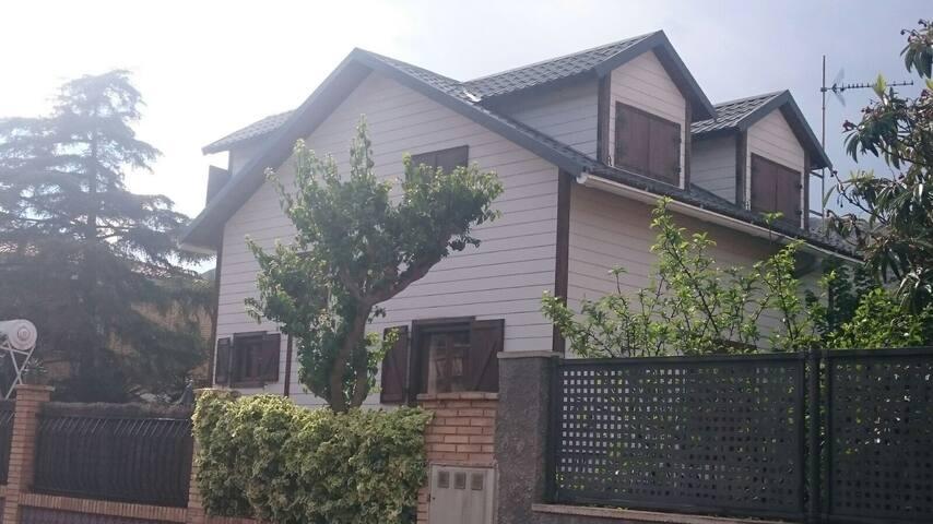 CASA MADERA TIPO RURAL  10 min playa VT-38258-V - Gilet - Appartement