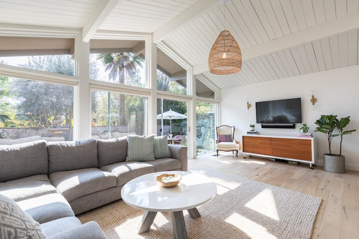 Family friendly/bright/modern/beachy Marin Oasis