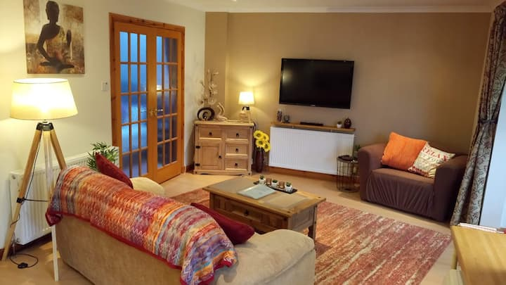 Ness-side Hideaway, Inverness + Breakfast included