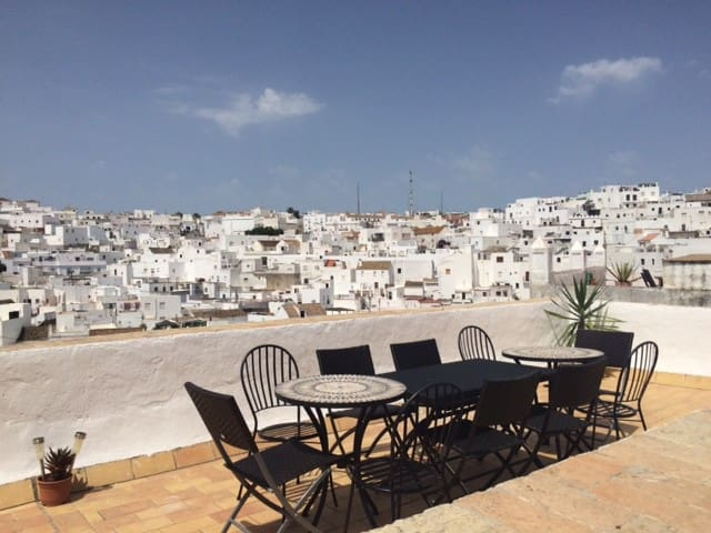 Roof terrace with outdoor dining facilities