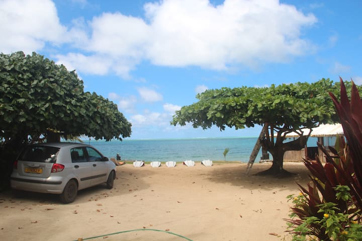 Huahine Iti , Chez Vetea en bord de mer