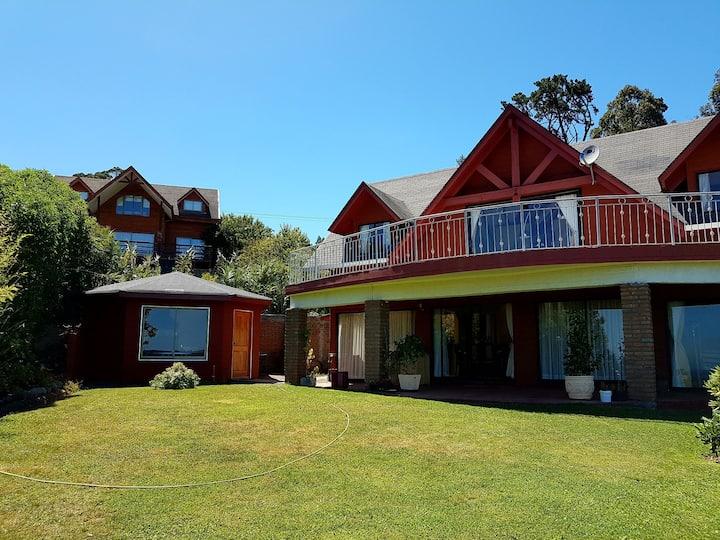 Linda y cómoda  Casa Quincho en Dichato, Pingueral