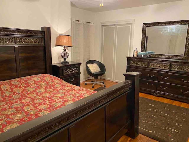 Private large room close to New York City