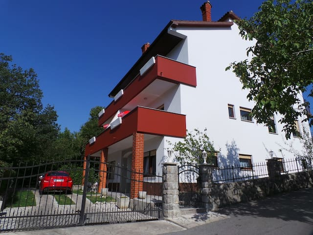 apartment for 3+1 persons in Kastav R80415
