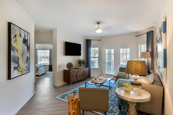 Relax in comfort | 2BR in Charlotte