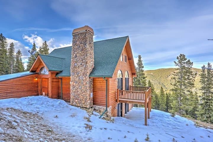 NEW! 3BR Home Near Evergreen w/Gorgeous Mtn Views! - Idaho Springs - Casa