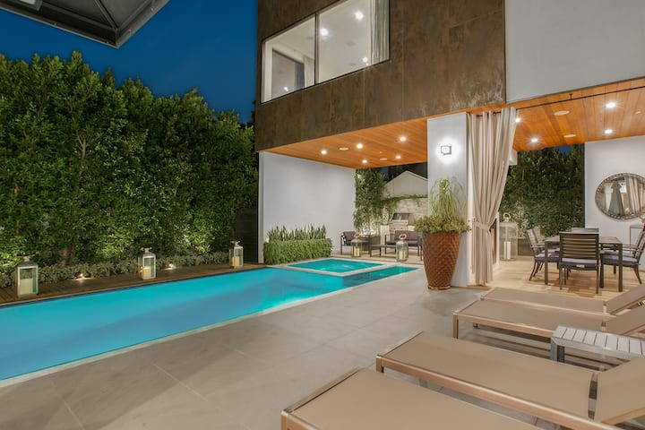 Curson Contemporary Compound