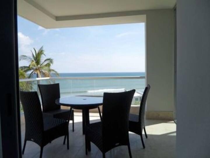 Rio Mar Luxurious Beachfront apt