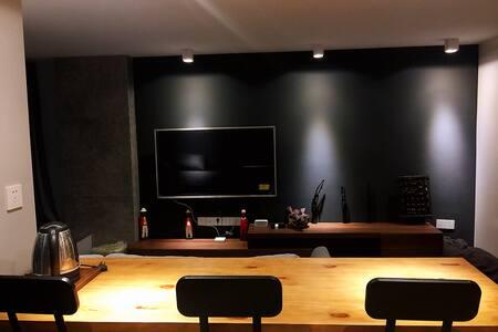 【Juno & Ning's Loft】近广西大学/动物园/火炬路/楼下鲁班地铁站的豪华设计感公寓