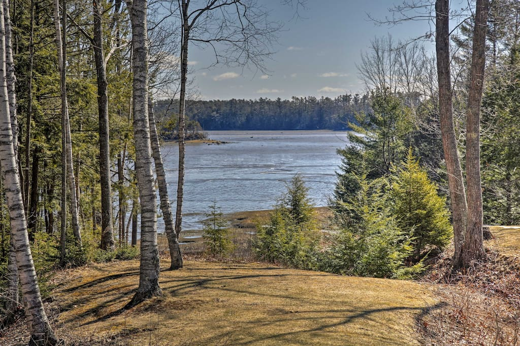 This attached apartment sleeps 3 and includes great river views.