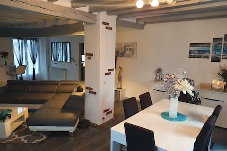 Chambre dans maison au calme à Paudy ( Merolles )