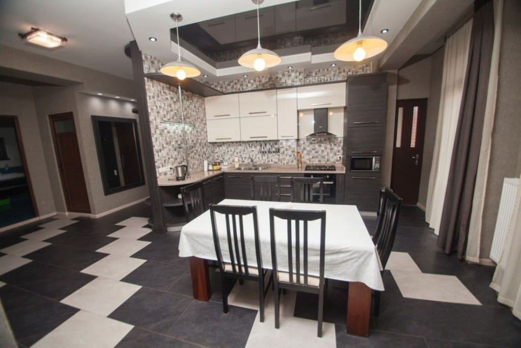 3 appartements avec for Canape tbilisi