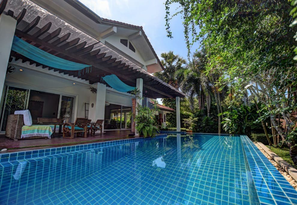 Superb private pool