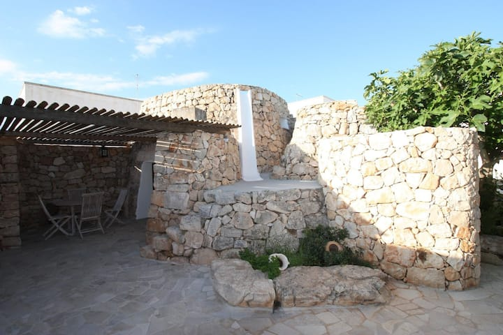 Holiday Trullo for 2 People in Apulia
