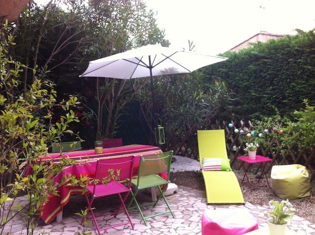 RDC+jardin, piscine et tennis dans jolie residence - Le Plan-de-la-Tour - Apto. en complejo residencial