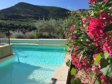 Bed and breakfasts. Sahune Nyons Baronnies.