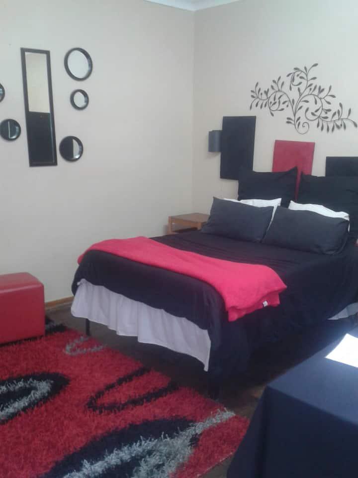 Larona Inn Guesthouse