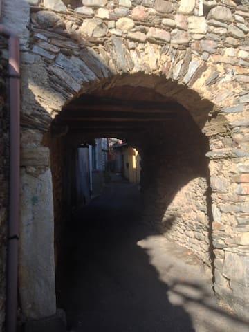 Casa nel borgo antico - Brovello-Carpugnino