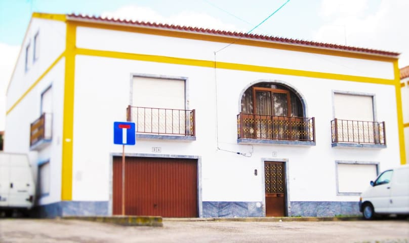 5 Bedroom Family Home - Viana do Alentejo