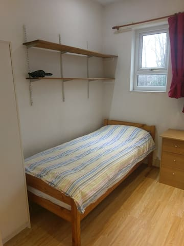 Room for 1 person, clean, simple, close to centre
