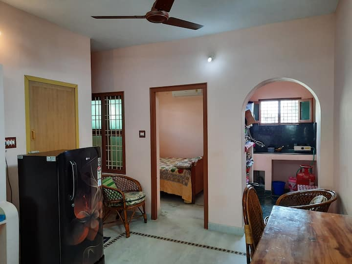 Green House-Top floor- near Ramana Ashram-AC-WiFi