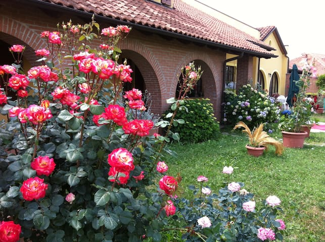 Villa Aurora: Your Italian home away from home