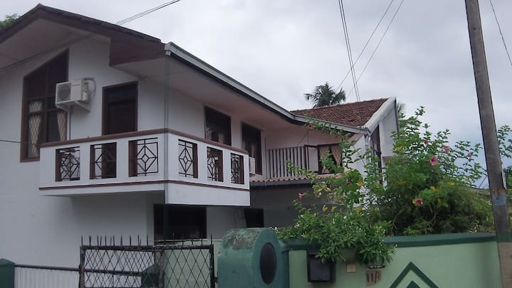 Spacious 2 bedroom apartment with amenities