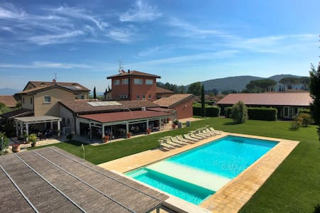 Spacious Holiday Home in Braccagni with Pool
