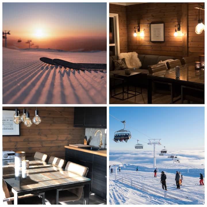 TRYSIL SØR! Nyrenovert leilighet med ski in/out!