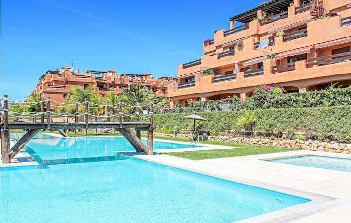 Stunning home in Estepona with WiFi and 2 Bedrooms
