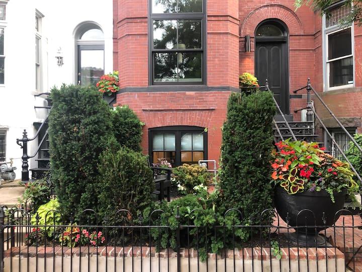 Modern Green Home in the best walking neighborhood