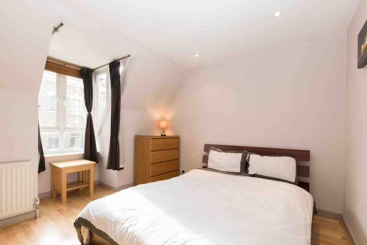 Friendly fantastic location Clapham double room