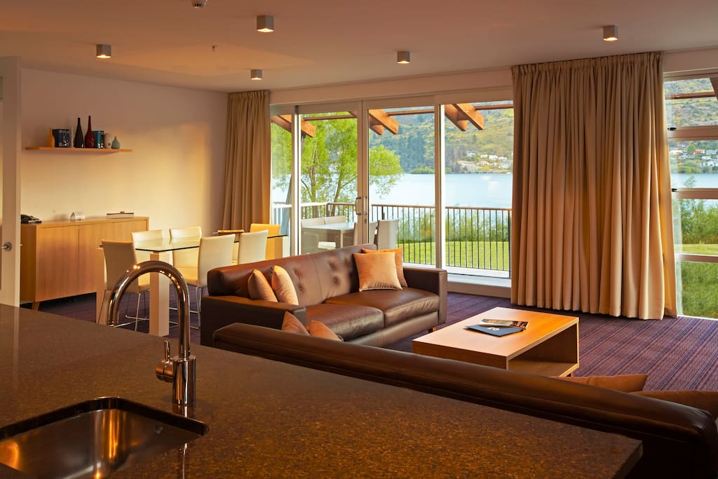 Lake views from lounge and dining