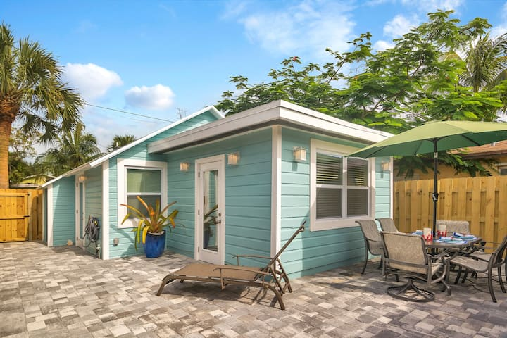 Coastal Cottage,  Lake Worth Beach, Pets 🐶 Welcome