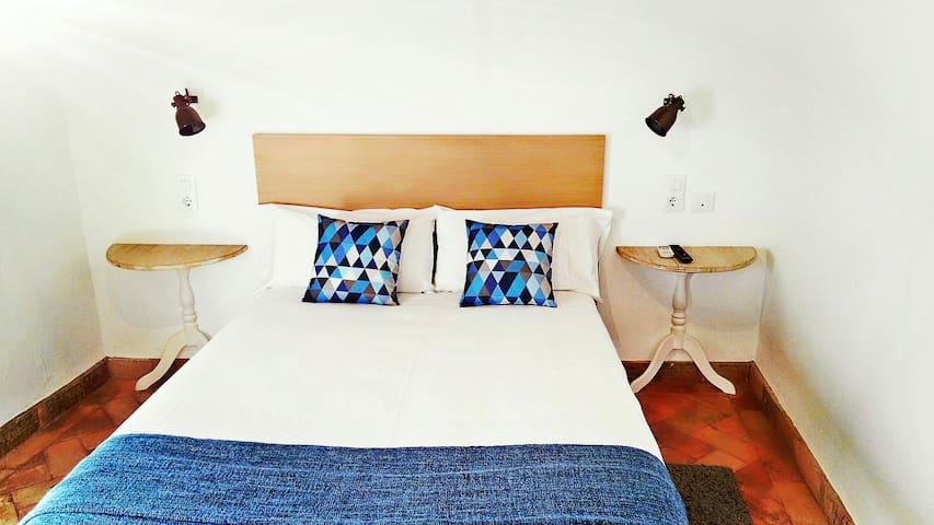 Frenteabastos, una alternativa distinta en Carmona - Carmona - Boutique-hotelli