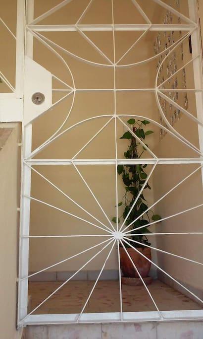 Puerta de hierro del Ball de entrada.