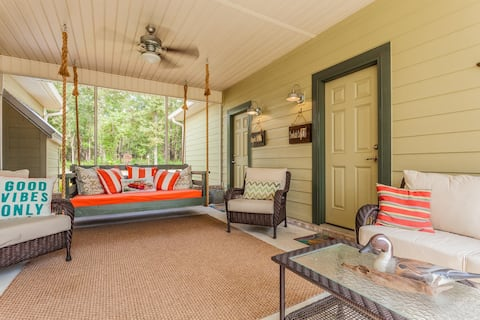 Country Living in Style & Comfort!