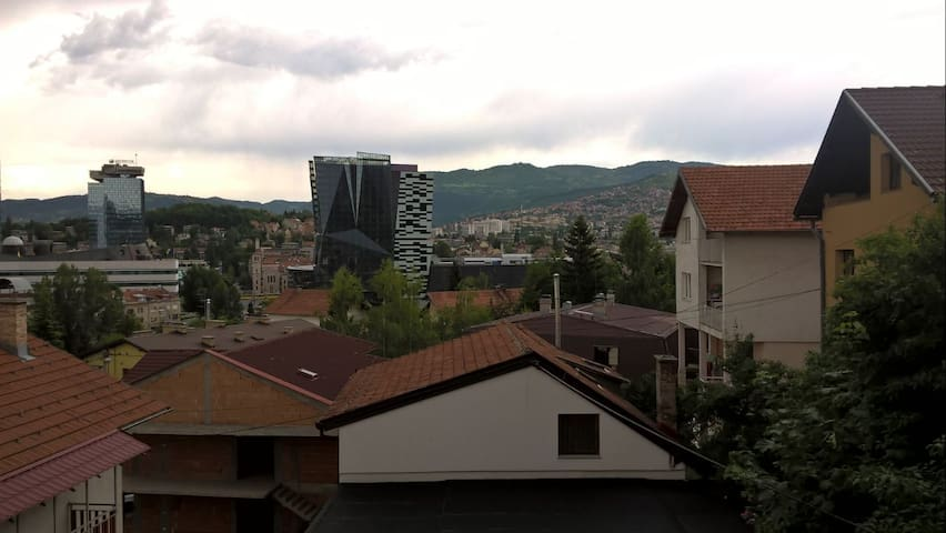 Apartment-quiet and close to all you need to see - Sarajevo - Apartamento