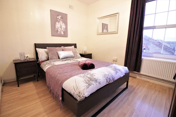 (WLR-C)Close to Brick Lane room for 2 people