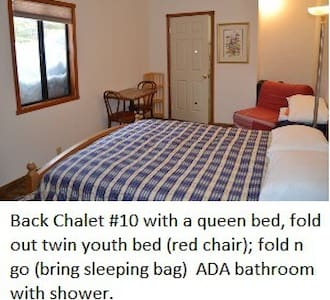 Back Chalet Room-PRIVATE BATHROOM-Tamarack Lodge - Bear Valley - Almhütte