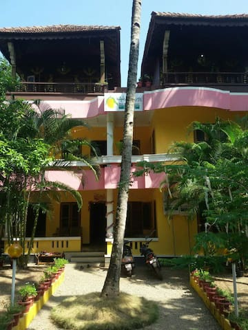 Mango House - A home away from home - Varkala - Casa